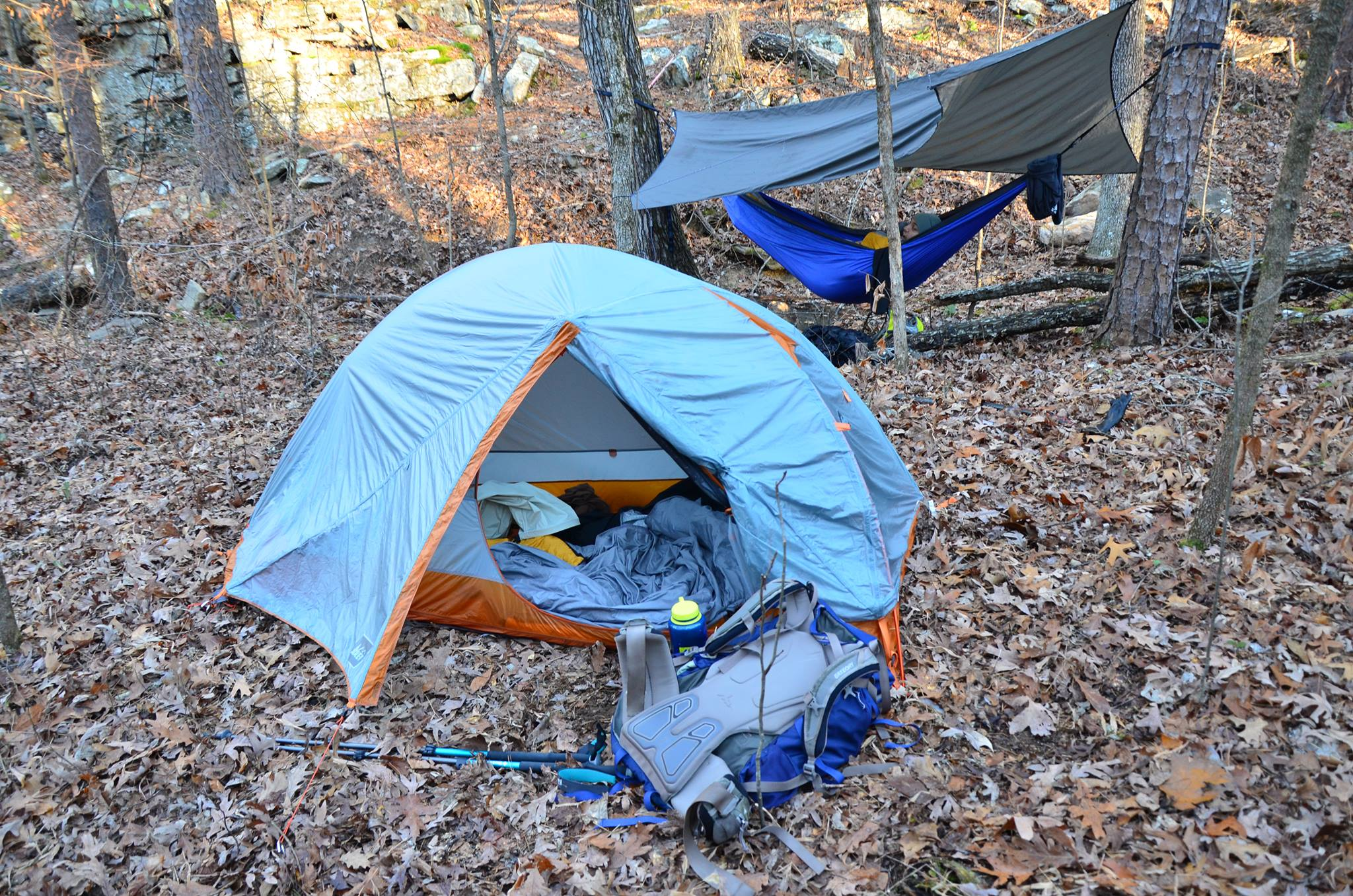 A Debate Is Growing Between Hammock Camping And Tent Camping. People Who Hammock  Camp Like That They Are Lighter, Easier To Set Up, And Take Up Way Less ...