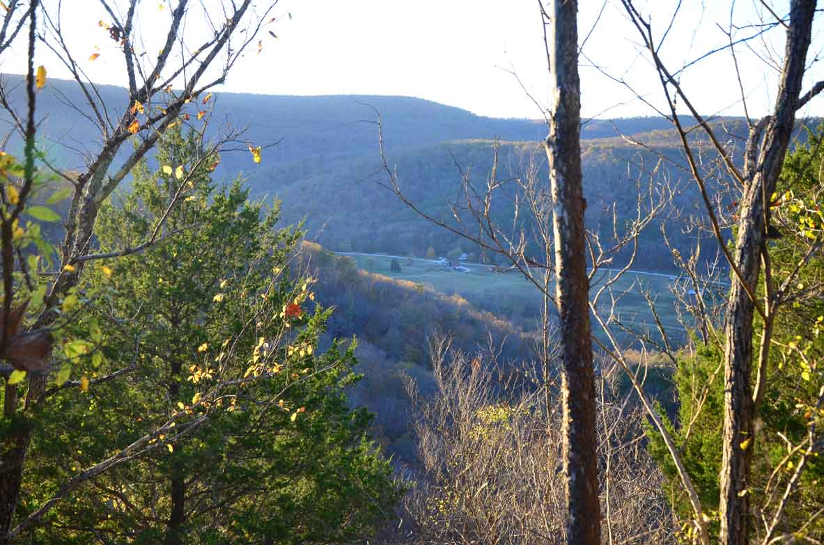 Hiking the Buffalo River Trail from Boxley Valley to Steel Creek Campground - A gorgeous Arkansas hiking and backpacking trail.