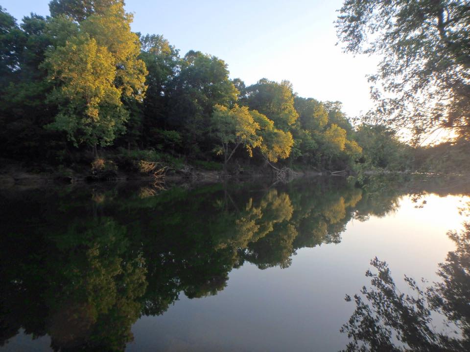 The Dragover float on the Ouachita River in southwest Arkansas is a great beginner float with lots of deep pools and a few class I and II rapids.