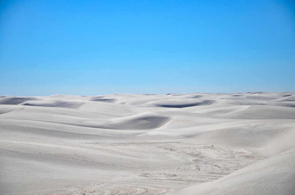White Sands stretch out toward the horizon
