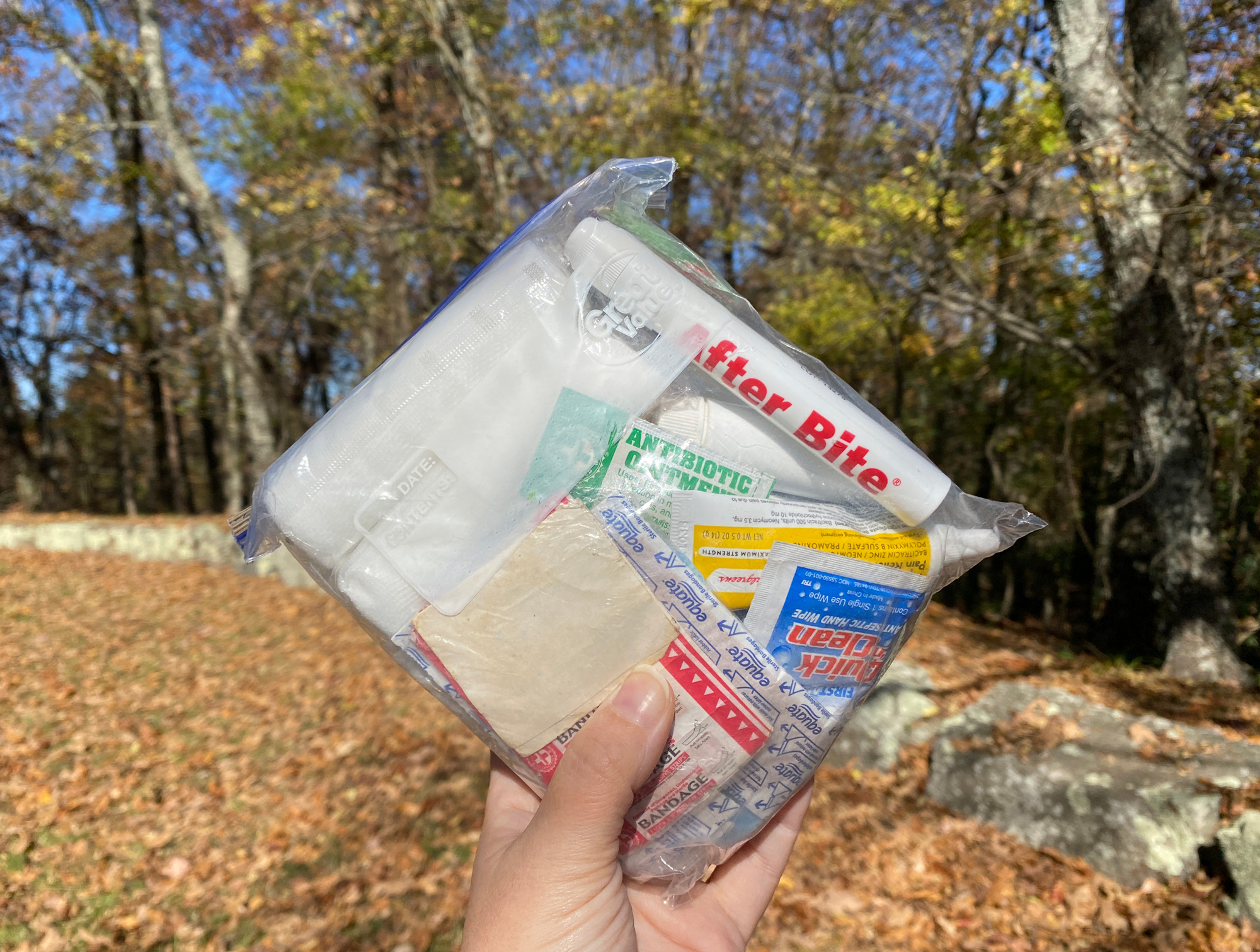 Outdoor-first-aid-kit5