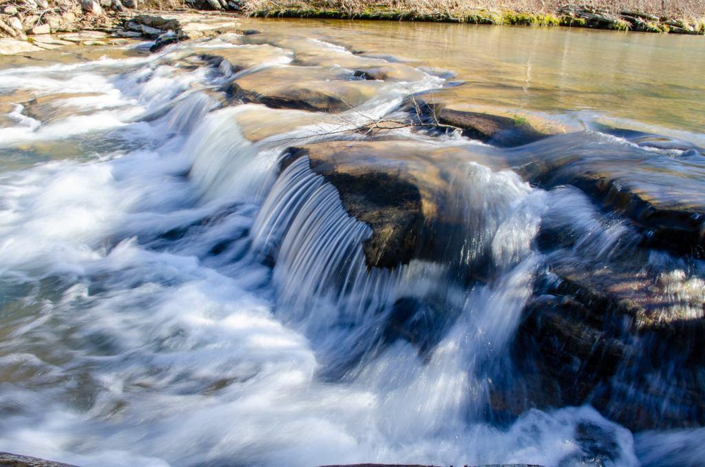 A prefalls is shown along the Kings River Falls