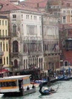 Ca' Corner Loredam (left) and Ca' Farsetti (right).