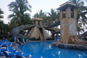 P Nuevo P Village Pool Slide