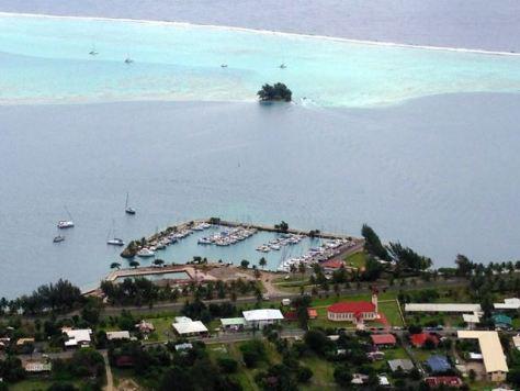 Marina Uturoa as seen from above.