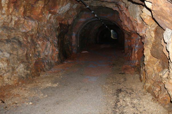 Otvoren vojni tunel (16)