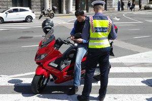 48-godišnjak u Matuljima nastradao upravljajući mopedom s 1,12 promila