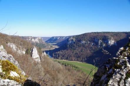 Blick vom Eichfelsen an der oberen Donau
