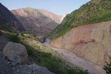 Die atemberaubende Strecke im Vakhsk-Tal