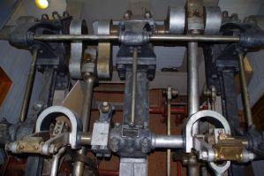 Blick auf den Antriebsstrang der beiden Schaufelräder