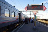 ...nach Moskau hinter dem Bahnhofsgebäude