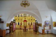 Hell und freundlich der Kircheninnenraum