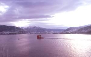 Einfahrt in Hafen Bergen (N)