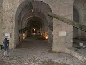 und die Festungsanlage...