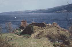 Urquhard Castle und Loch Ness