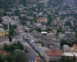 0180_Gjirokastra_Albanien 2010