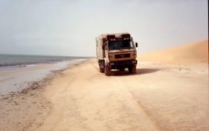 ...reichen die Sanddünen z.T. bis an das Meer