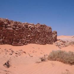 ...eine verlassene Burg...