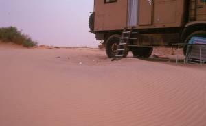 """Morgens: """"Sanddünen"""" am MAN"""