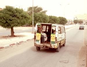Typischer einheimischer Busnahverkehr