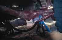 Die Reparatur muss wegen des starken Windes...