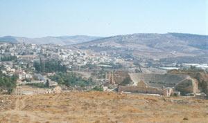 Jerash mit dem gut erhaltenden römischen Süd-Theater