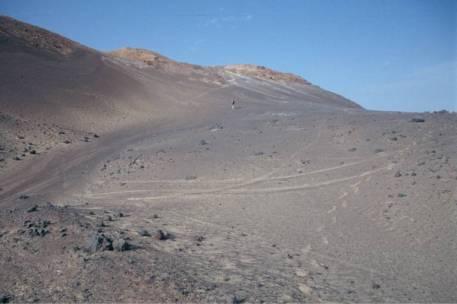 Auf dem Weg zum Innenkrater des Waw en Namus