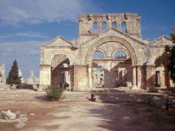 Die Reste der imposanten Kathedrale