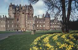 20-Glamis_Castle