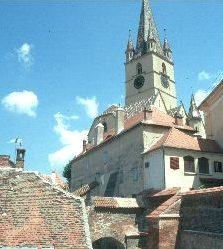 Blick über Altstadtstiege zur deutschen ev. Kirche in Sibiu