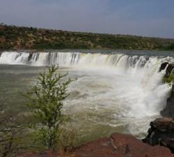 5530_Wasserfall_Guinea