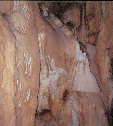 Versteinerter Wasserfall in der Bärenhöhle (Pestera Ursilor)