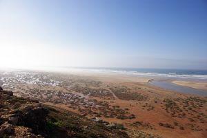 Eine Oued-Mündung auf der Strandpiste die nur bei Ebbe gefahren werden kann.