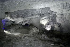 ...eine der größten Karsthöhlen....