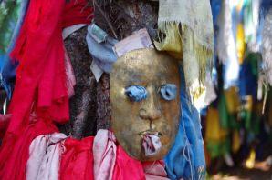 ...Masken und...