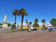 ...und der Place St. Nicolas, einer der größten Plätze Europas, direkt am Hafen.