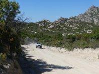 Auf der 12 Kilometer langen Piste zur Plage de Saleccia.