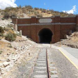 0032638_Gaiman_Eisenbahntunnel