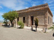 ...unweit davon die ehemalige Poliklinik - beides heute sehr anschauliche Museen.