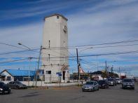 Der 18 m hohe Torre del Agua (Wasserturm) von 1948 beherbergt heute die Touristen-Info.