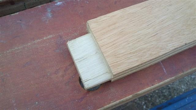 De planken en de verbinding gemaakt. Hiermee zullen de leuningen verbonden worden en de basis gelegd worden voor het zitvlak.
