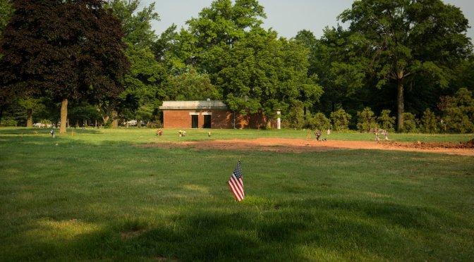 #EricGarner's grave site and #BlackLivesMatter on Blog#42