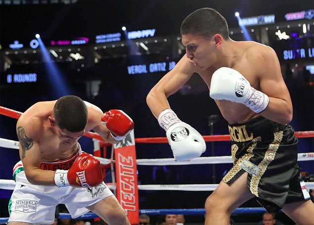 Vergil Ortiz (right) vs. Cesar Valenzuela. Photo credit: Tom Hogan/HoganPhotos/Golden Boy Promotions