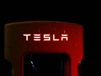 Panasonic irrobustisce i rapporti di collaborazione con Tesla Motors