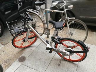 """Il bike sharing """"libero"""" di Mobike, prova su strada a Milano"""