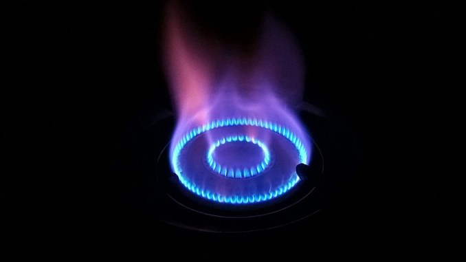 Il mercato libero luce e gas rinviato al 2022, ma i risparmi cresceranno