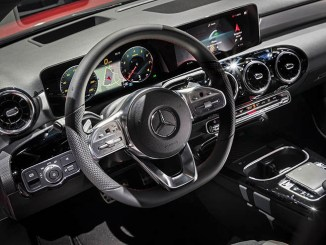 Nuance Dragon Drive supporta Mercedes Benz User Experience