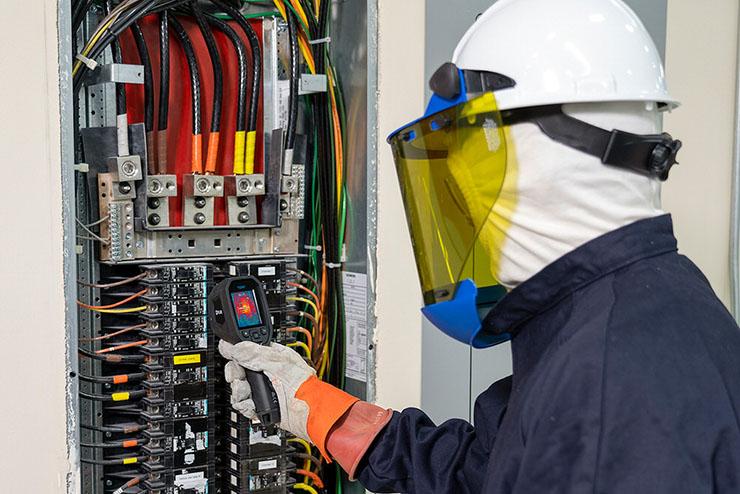 Termografia su misura per gli elettricisti, arriva FLIR TG267