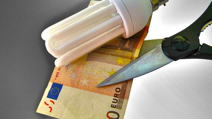 Taglio IVA sulle bollette, quanto risparmierebbero le famiglie?