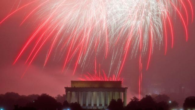https://www.nbcwashington.com/news/local/Capitol-Fireworks-Go-On-Despite-Earlier-Rain-385494631.html